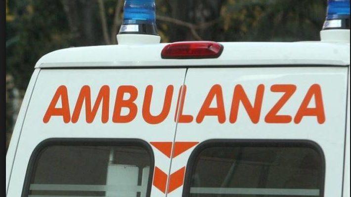 motociclista travolto da pirata della strada Salerno. Botti di Capodanno. Cade in burrone per salvare il cane: 44enne ferito.