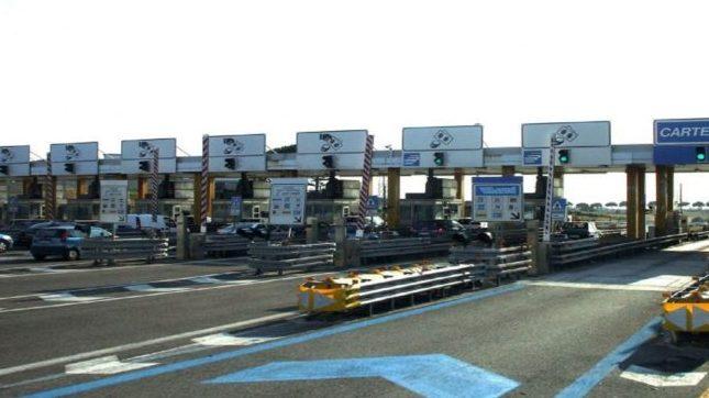 viaggiatori casello autostradale controlli campania