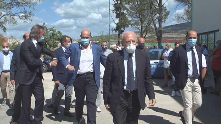 Vincenzo De Luca visita aziende Piana del Sele