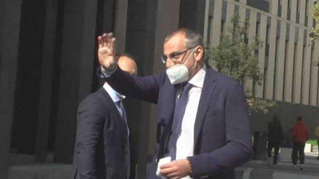 Massimo Cariello uscita dal tribunale