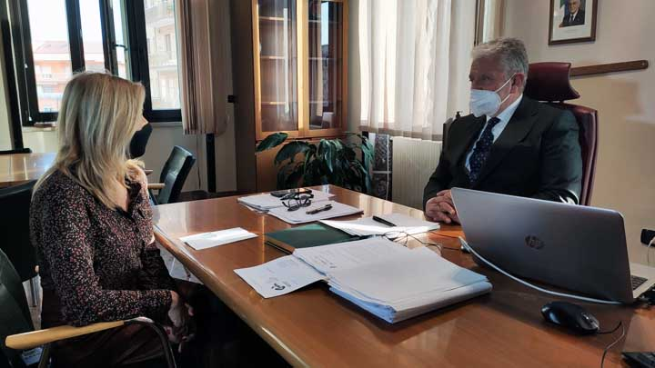 Rosaria Sica e il commissario Antonio De Iesu